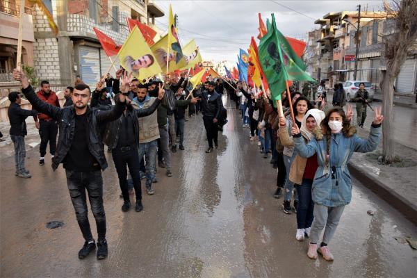 بعد سبعة أيام...حركة الشبيبة الثوريّة تختتم فعاليّات خيمة الاعتصام بالحسكة