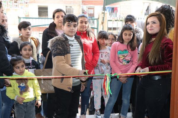 معرض لرسومات لطلبة حلب