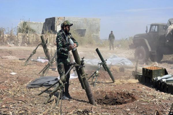 قوات حكومة دمشق تقصف مناطق من درعا البلد والاشتباكات تتصاعد