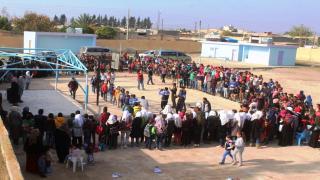 عرض مسرحي لطلاب مدرسة ربيعة في ريف الرقة