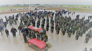 أهالي تل تمر يشيعون جثمان عضو قوى الأمن الداخلي إلى مثواه الأخير