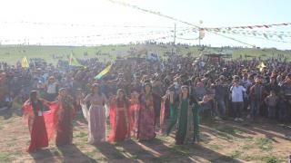احتفالات نوروز إقليم الجزيرة تختتم بتحية مقاومة العصر وقوات سوريا الديمقراطية