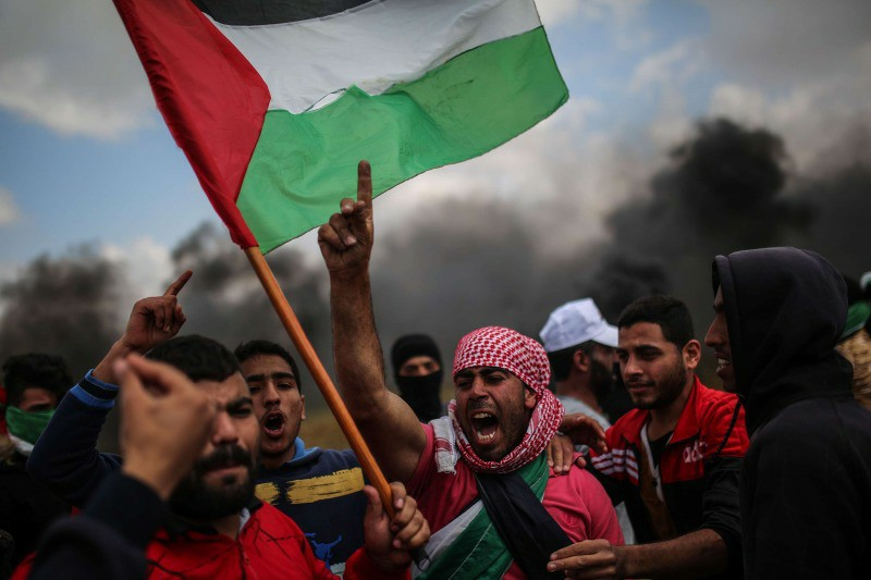 2 Palestinians killed, 62 injured due to repressing Gaza marches by Israeli army