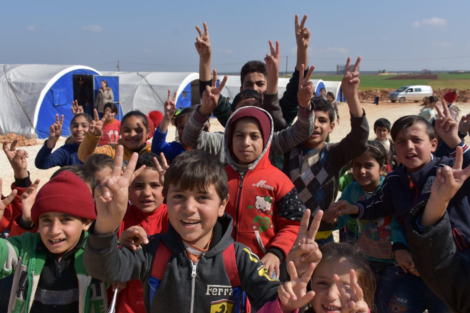 2 tents, poor possibilities to teach al-Awda camp's children