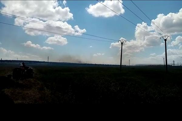 Turkish occupation burns crops between Basleh, Beneh villages in Sherawa district