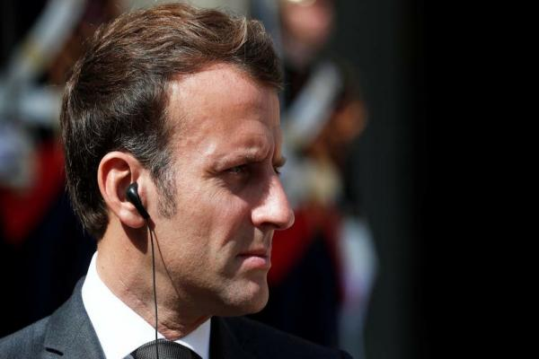 Diplomatic source: Macron gives Lebanese political powers time, threatens them with sanctions