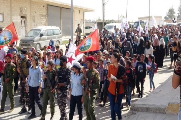 Hours after the attacks.. a demonstration in Ain Issa condemning Turkish occupation's attacks