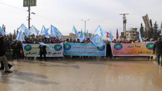 Demo in Manbij under ''hand in hand to face Turkish occupation''