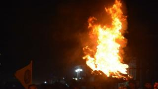 Flames, candles of Newroz lit, preparations for tomorrow celebrations fulfilled