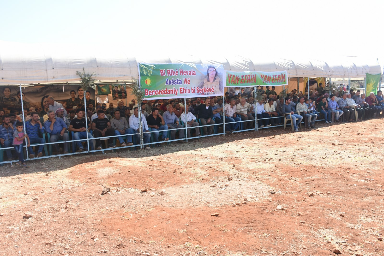 Kongra Star's sit-in continuing: demand to pressure on Turkey to stop massacres