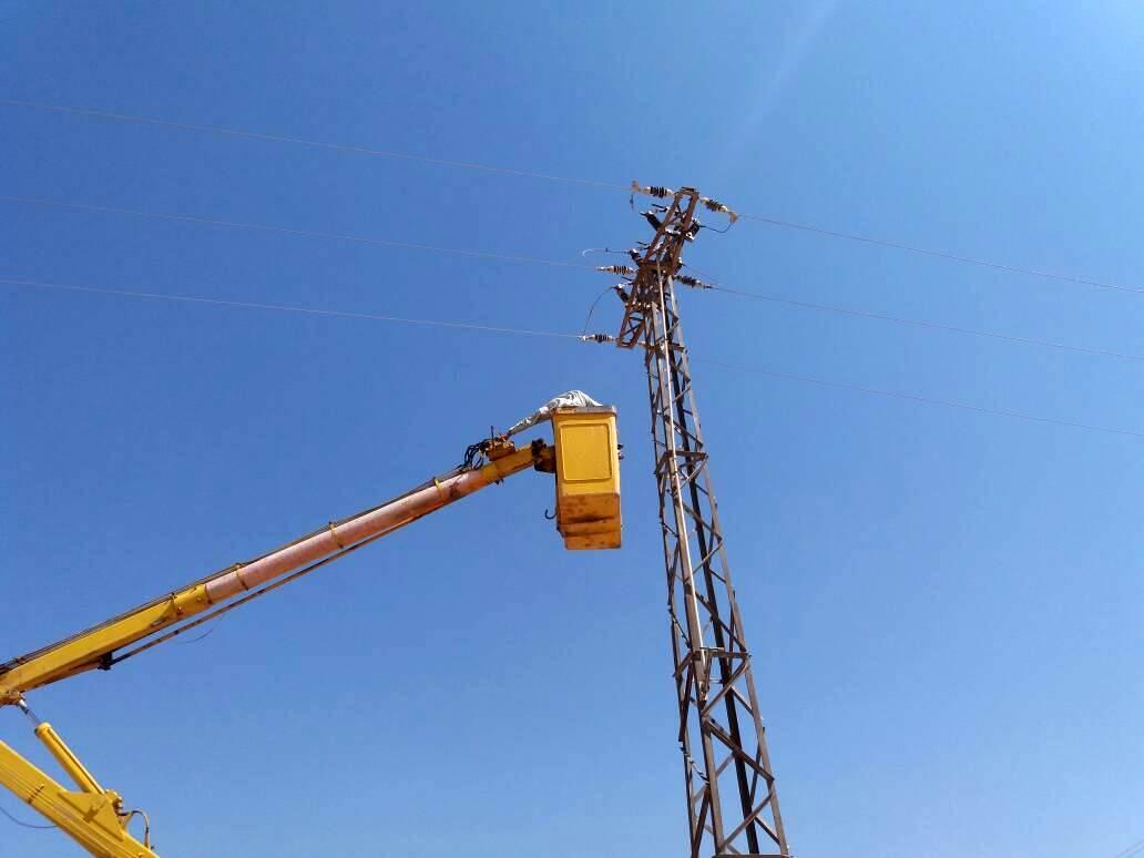 Talleres de electricidad terminan el mantenimiento del daño causado por la tormenta de polvo