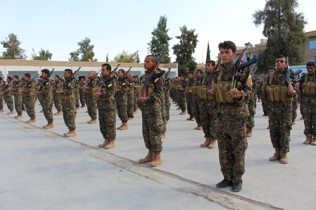 226 combatientes se unen a las filas del Consejo Militar de Manbij