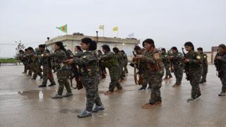 SDF: 2 cursos de luchadores graduados en Ain Issa.