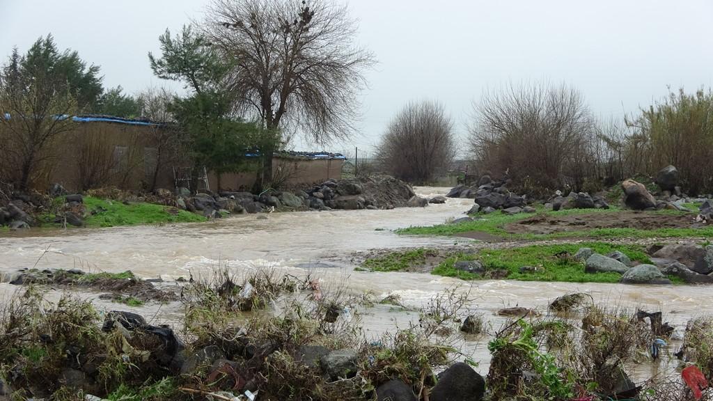 Dewleta Tirk dîwar rakir, zirar gihişt milkên şêniyên gundên Dêrikê