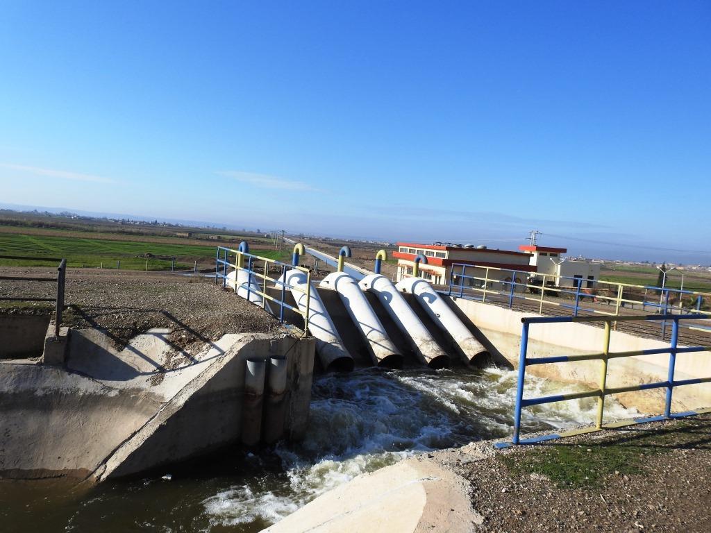 Reqa'nın doğusuna su veren istasyonlar onarıldı
