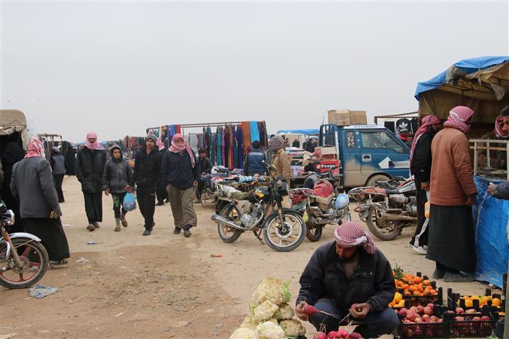 Mergede halk pazarı halkın uğrak yeri oldu
