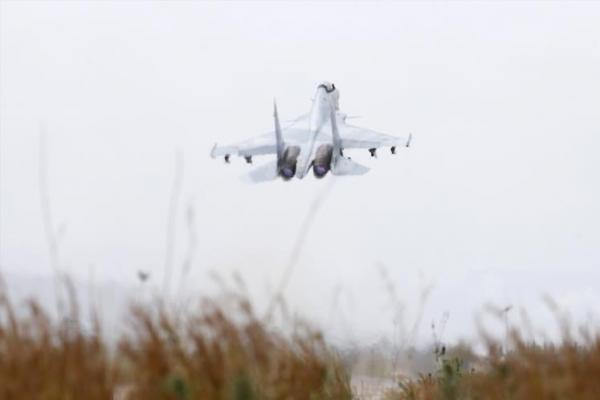 Rusya savaş uçakları İdlib'i bombaladı