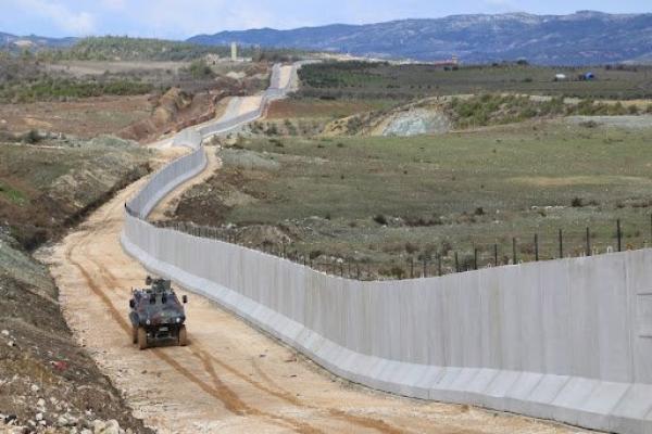 Reqalı gençler: Gençlerin göç etmesi düşman devletlere hizmet ediyor